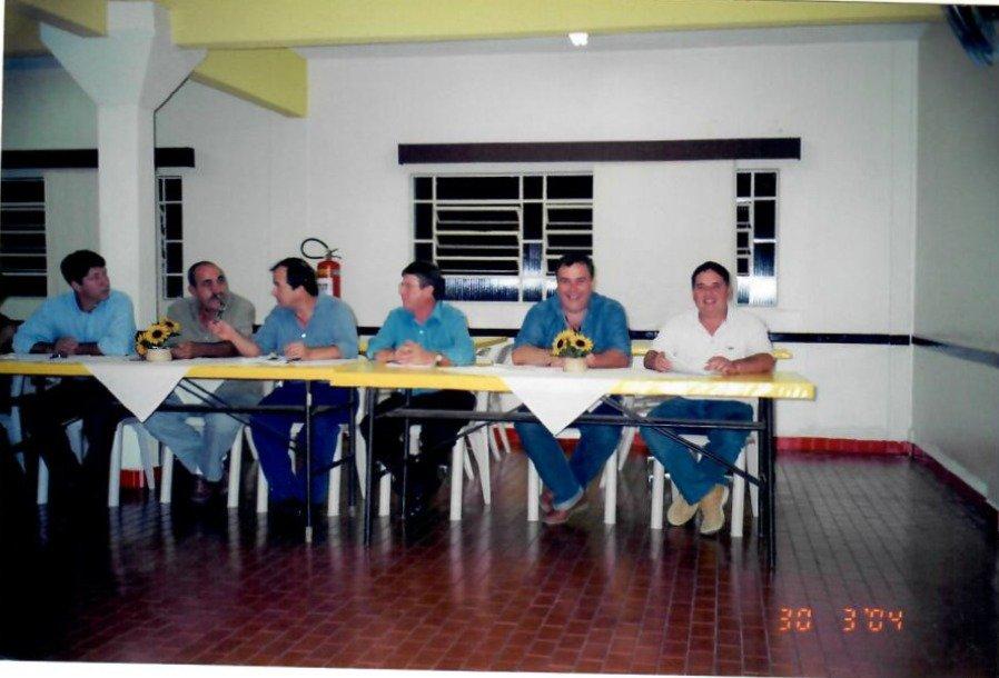 mesa responsavel no projeto social